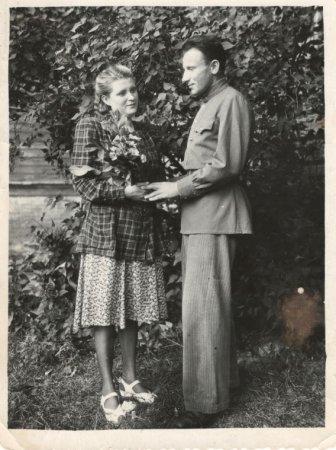Год семейной памяти: ЗАГС Астраханской области — о любви астраханцев, опалённой войной
